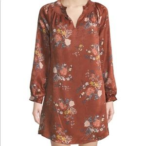 NWT LAUNDRY BY SHELLI SEGAL DRESS IN FLORAL PRINT